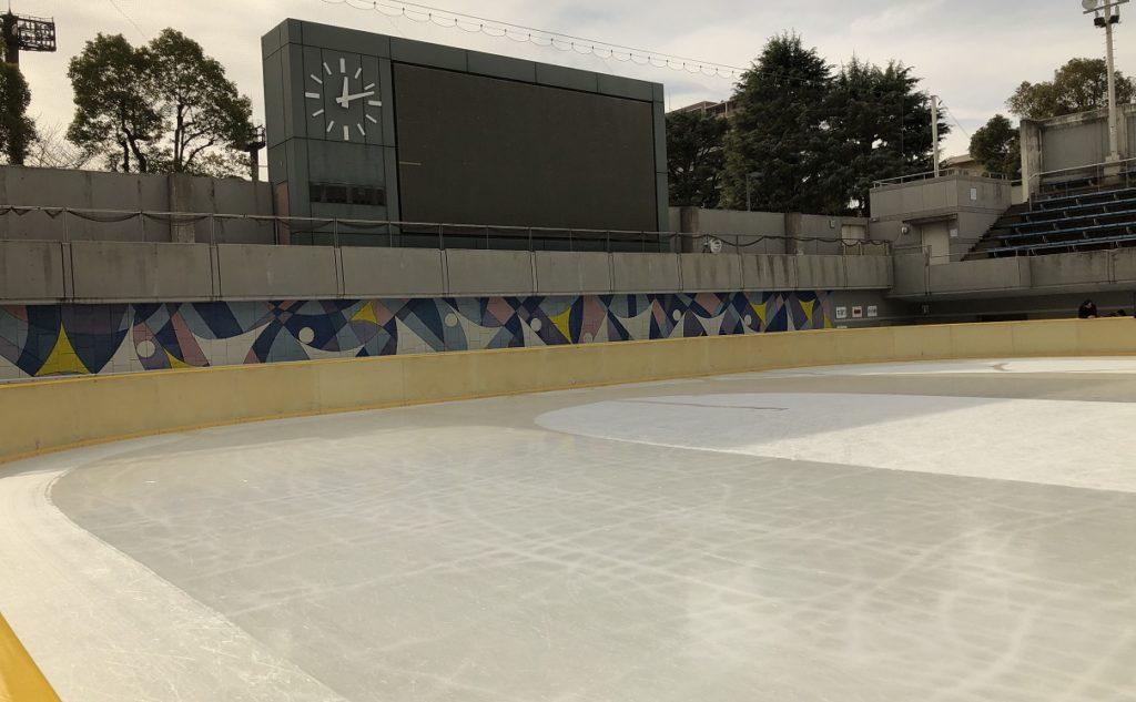 真田山アイススケート場